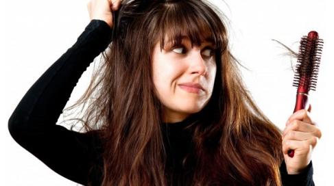 Comment stopper la chute des cheveux et favoriser leur repousse