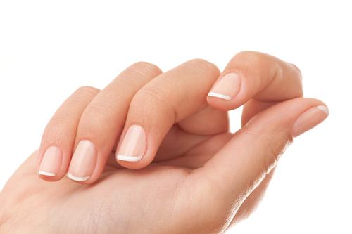 Quelles astuces maison pour avoir des ongles parfaits ?